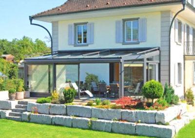 Terrassenüberdachung mit abgexchrägten Ecken von Ambitop Top-Terrassendach Wildau